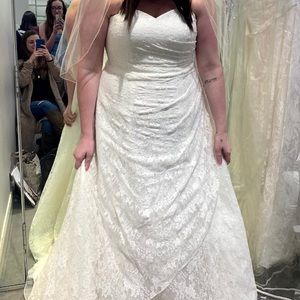 Brand new size 16 strapless ivory wedding gown!